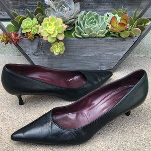 GUCCI~Black Leather Classic Pointed Pumps~8.5/9